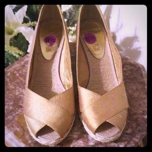 Ralph Lauren gold espadrilles Wedges size 8.5